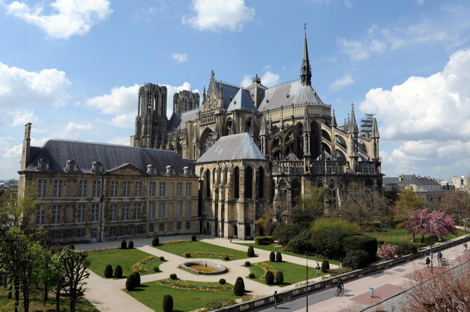 cathédrale_palais_du_tau